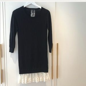 Beautiful thin knit sweater tunic, lovely detail!